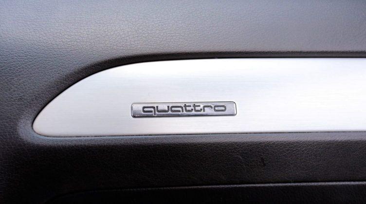 Audi A6 C6 - emblemat quattro