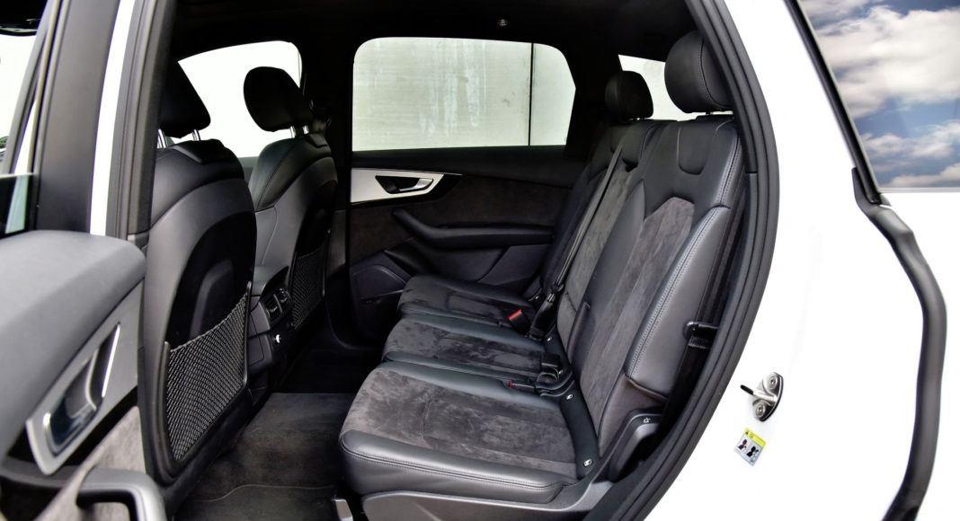 Audi Q7 - tylna kanapa