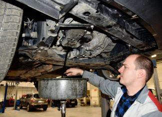 Co ile wymieniać olej silnikowy?