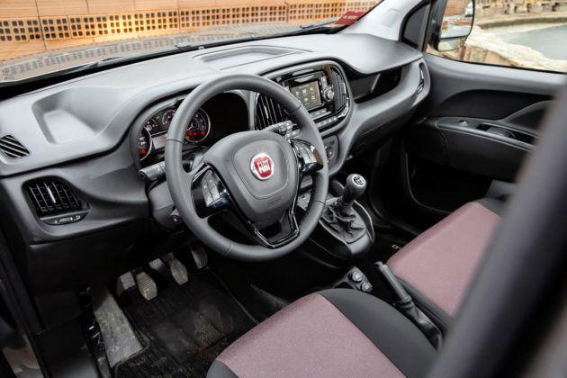Dostawczy Fiat Doblo - deska rozdzielcza