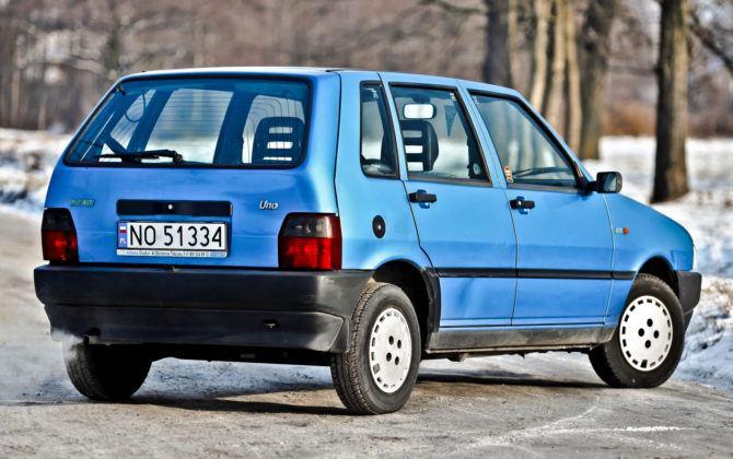 Fiat Uno - tył