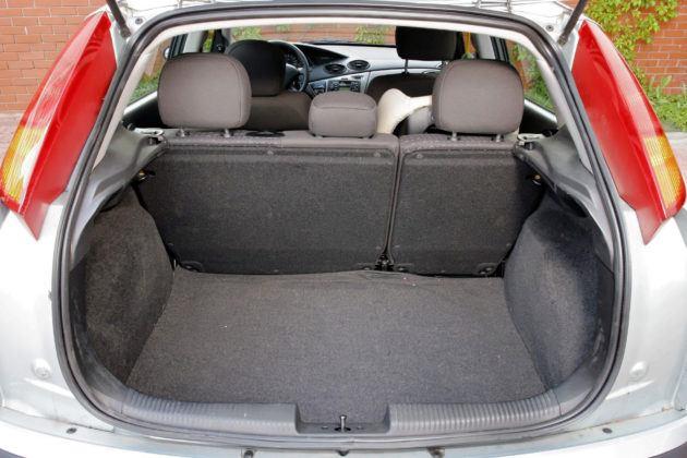 Ford Focus I - bagażnik