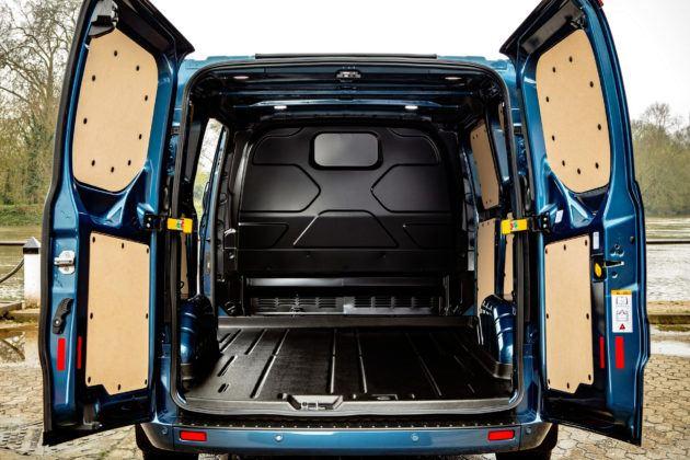 Ford Transit Custom - przestrzeń ładunkowa