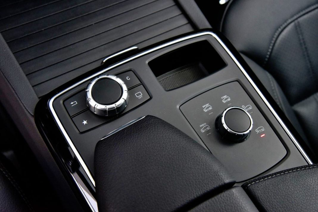 Mercedes GLE - pokrętła
