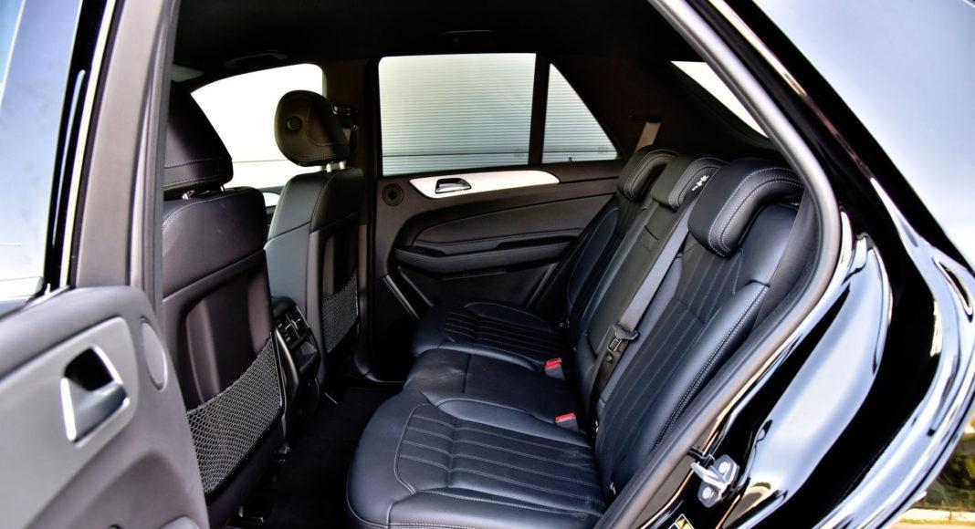 Mercedes GLE - tylna kanapa