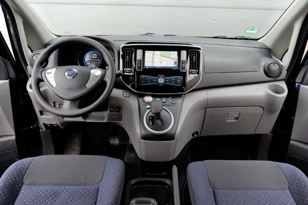 Nissan e-NV200 - deska rozdzielcza