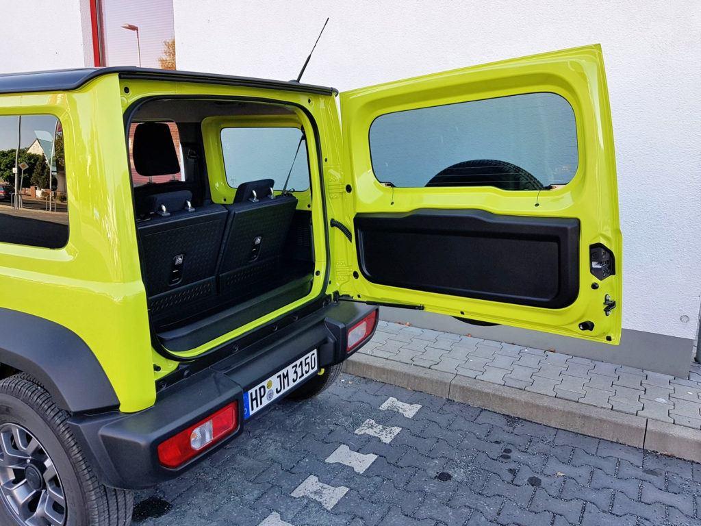 Nowe Suzuki Jimny - tylna klapa