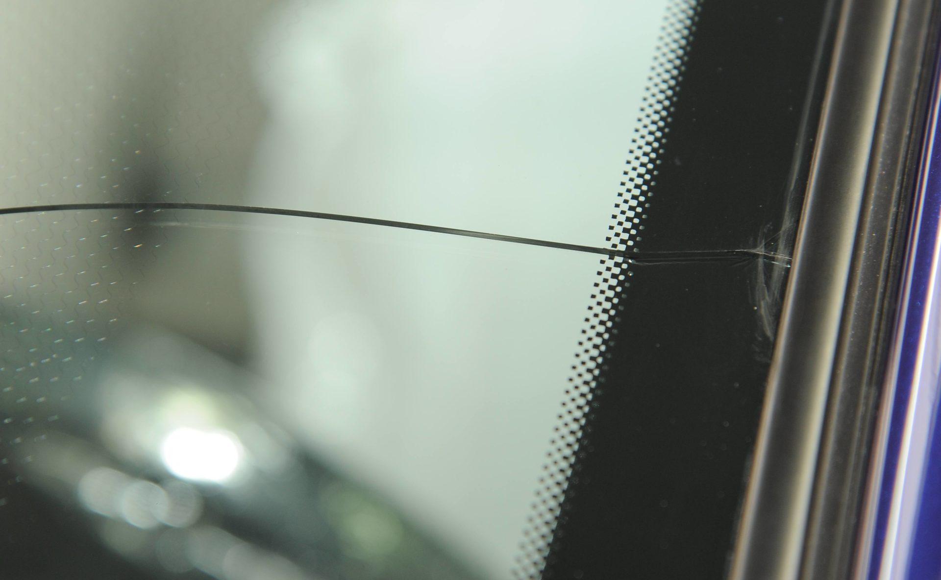 Zaawansowane Naprawa szyby samochodowej. Kiedy jest możliwa? Ile kosztuje? CR53
