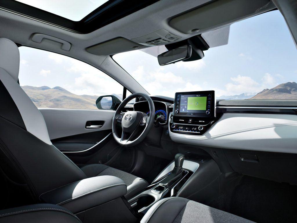 Toyota Corolla TS - deska rozdzielcza