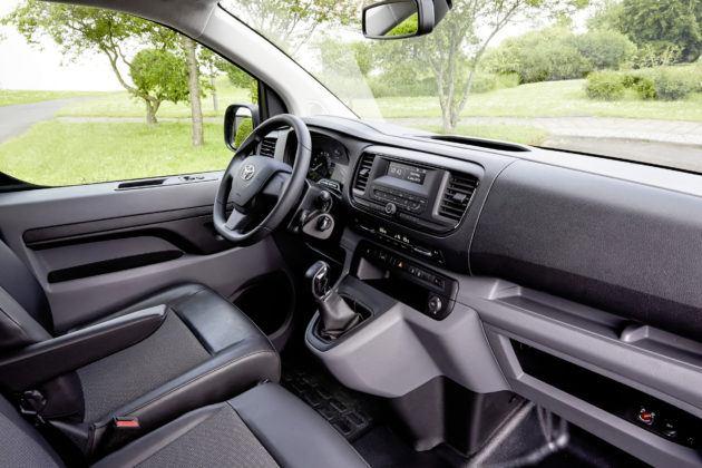 Toyota ProAce - deska rozdzielcza