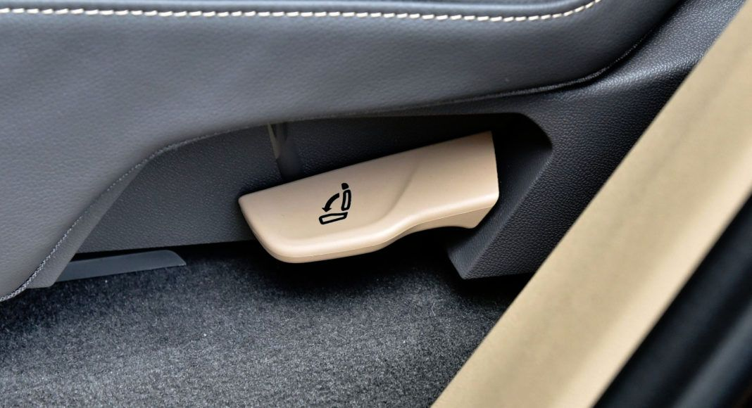 Volkswagen Touareg - dźwignia oparcia