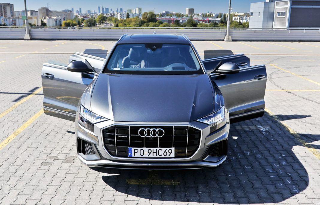 Audi Q8 - otwarte drzwi