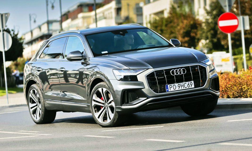 Audi Q8 - otwierające