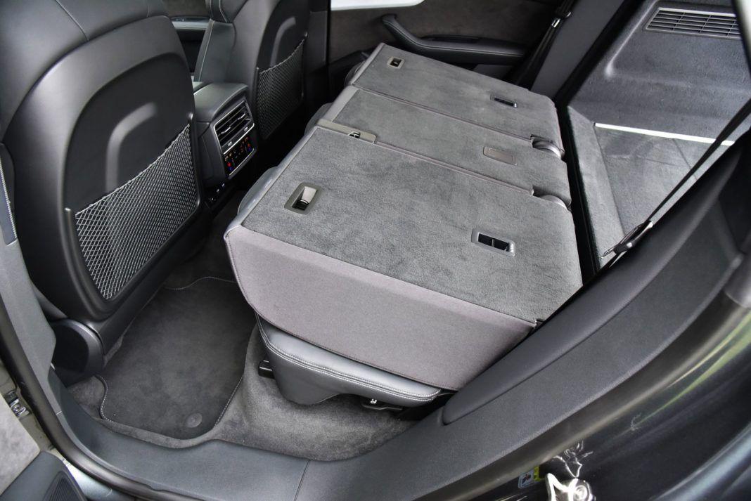Audi Q8 - złożona kanapa