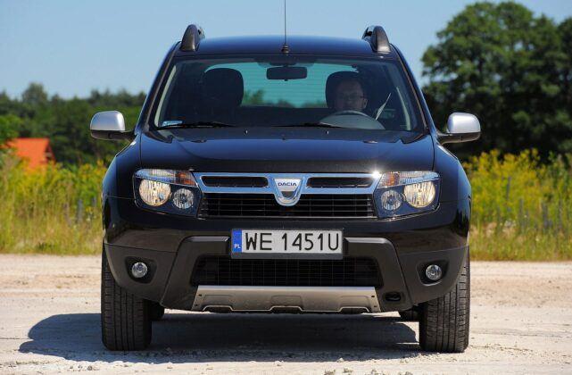 Dacia Duster I przed liftingiem (2)