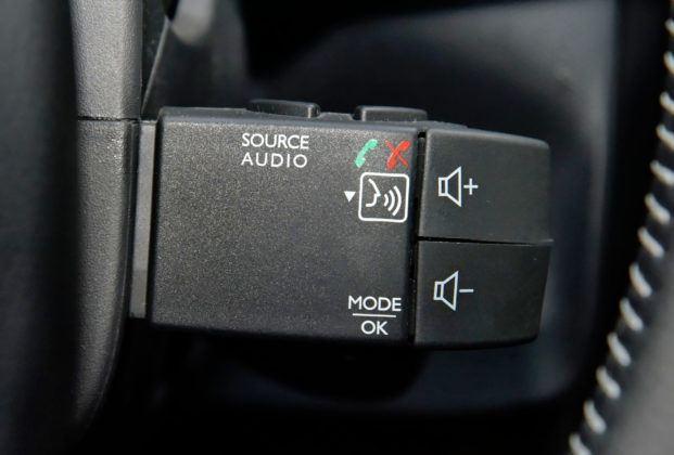 Dacia Duster - przełącznik