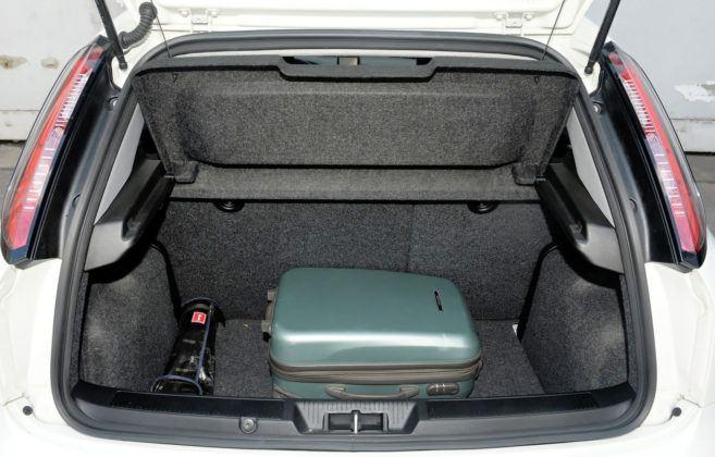 Fiat Punto III - bagażnik