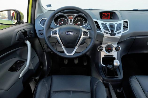 Ford Fiesta VII - deska rozdzielcza