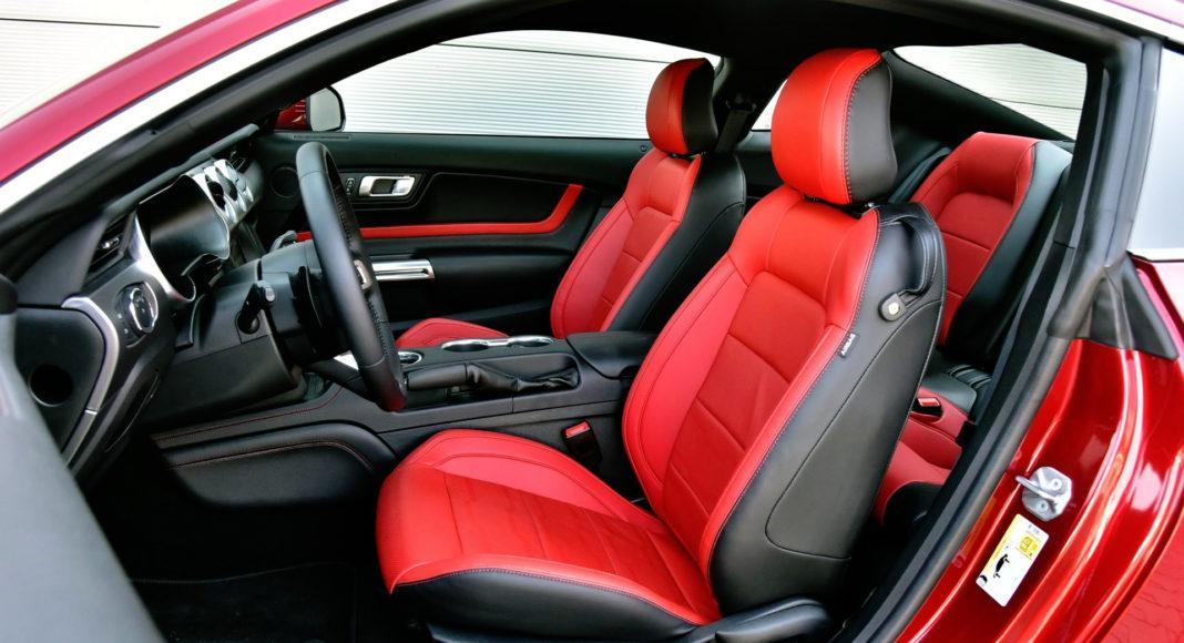 Ford Mustang FL - fotel kierowcy