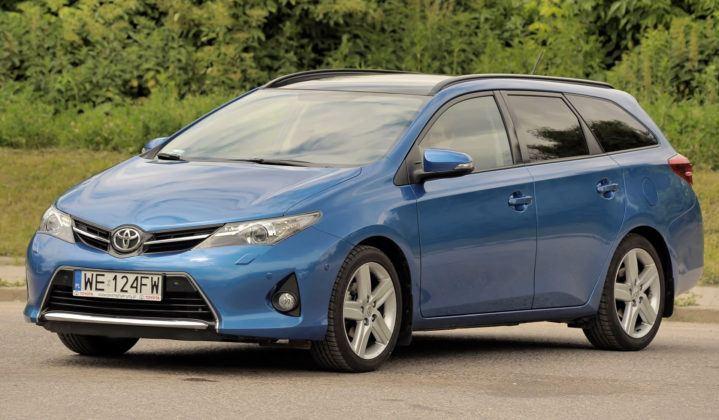 Kompakty - Toyota Auris