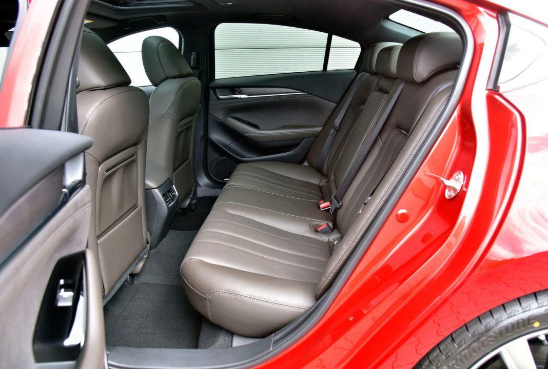 Mazda 6 FL - kanapa