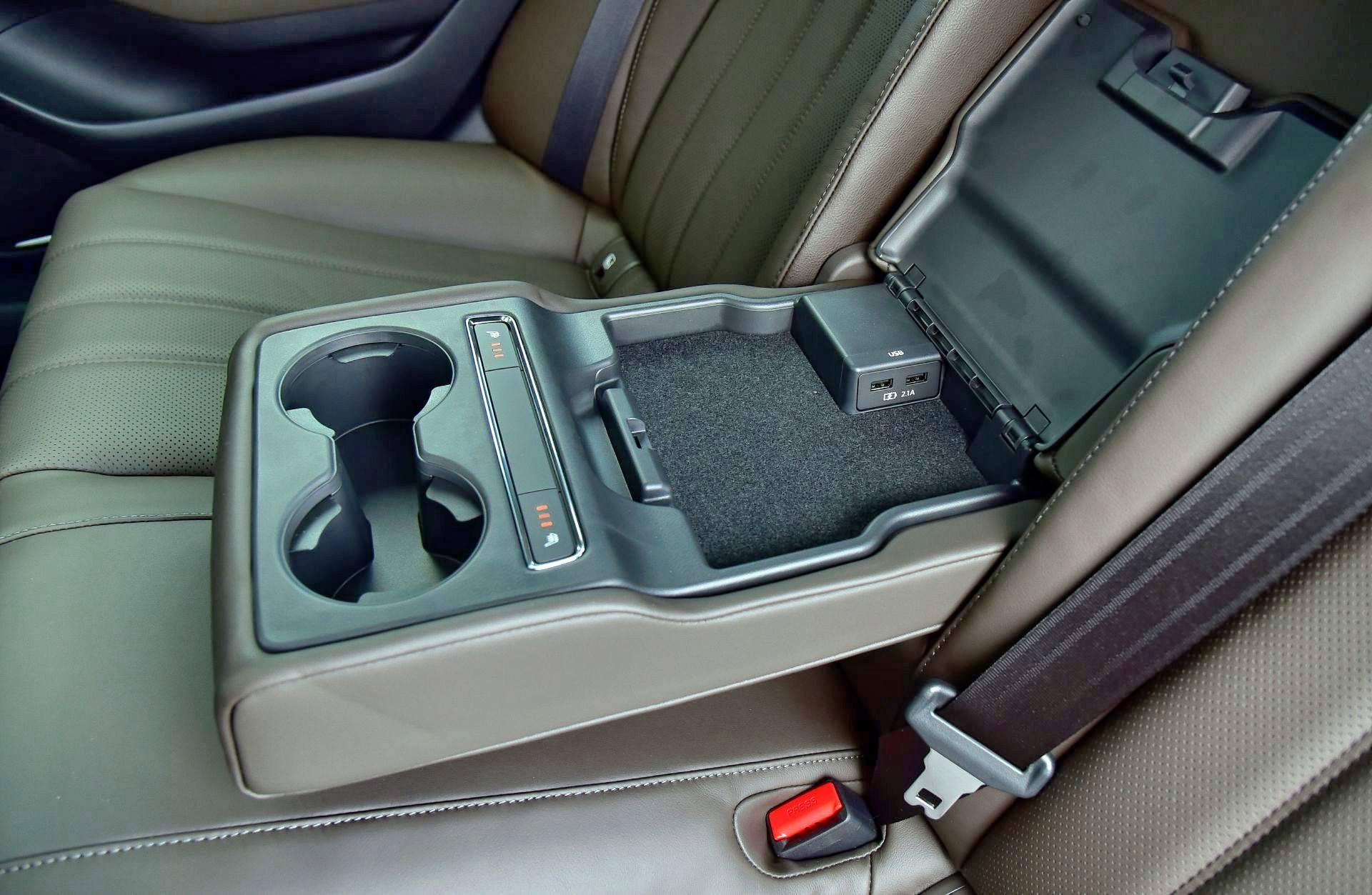 Mazda 6 FL - gniazda USB