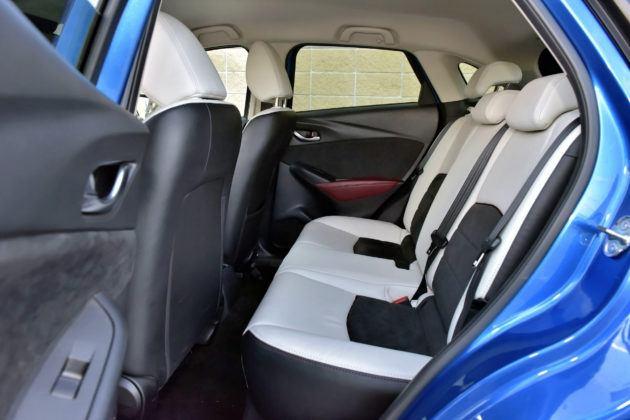 Mazda CX-3 - kanapa
