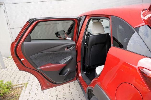Mazda CX-3 - otwór drzwiowy