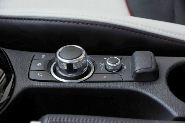 Mazda CX-3 - pokrętło