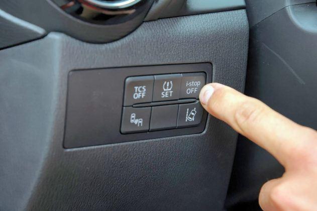 Mazda CX-3 - system i-stop