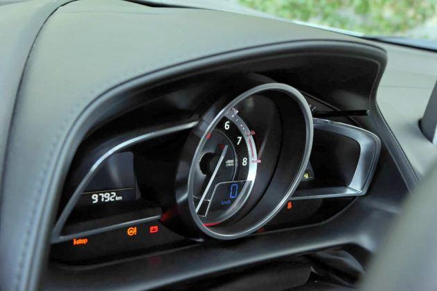 Mazda CX-3 - zegary