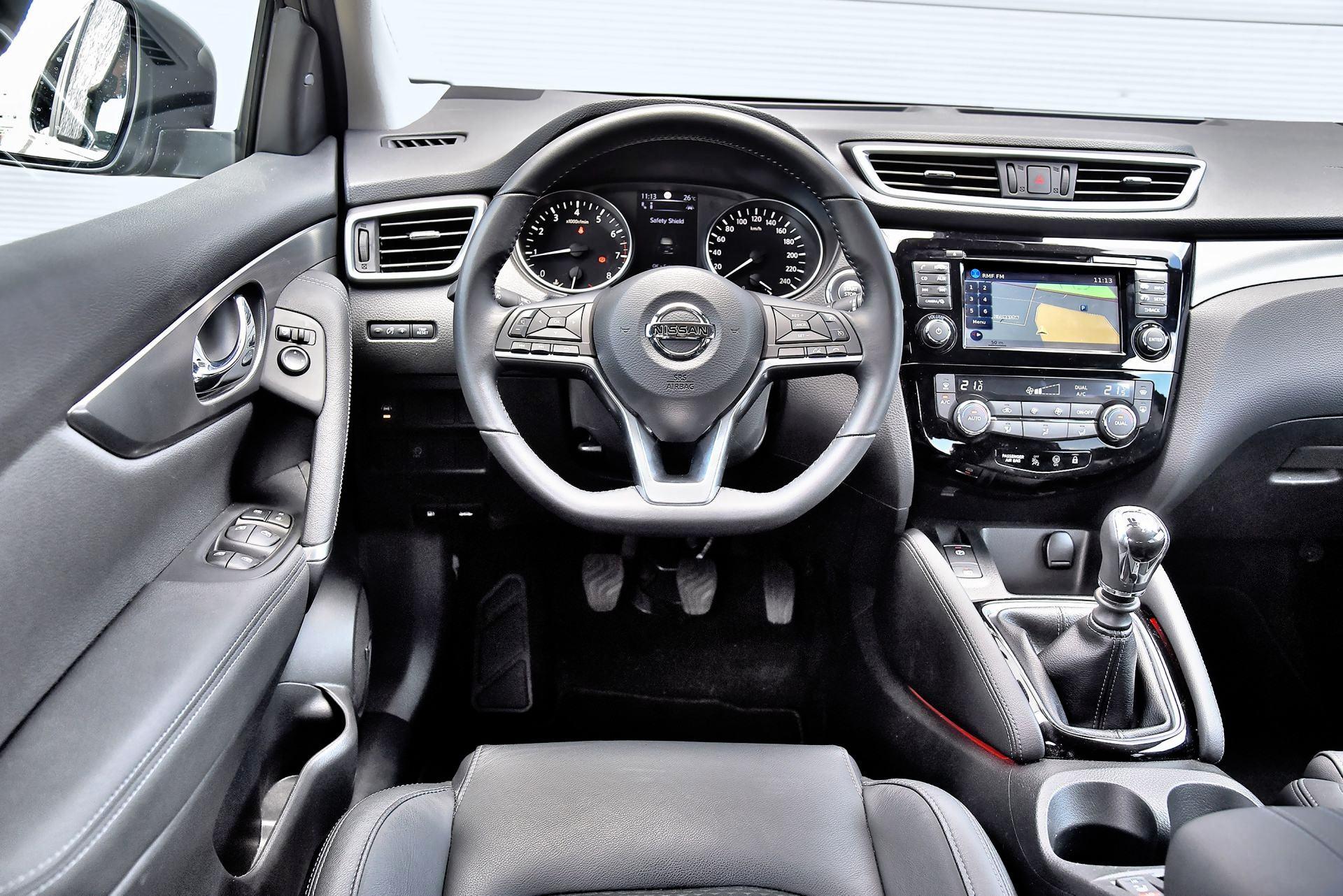 Nissan Qashqai - deska rozdzielcza