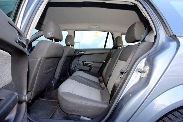 Opel Astra H - kanapa