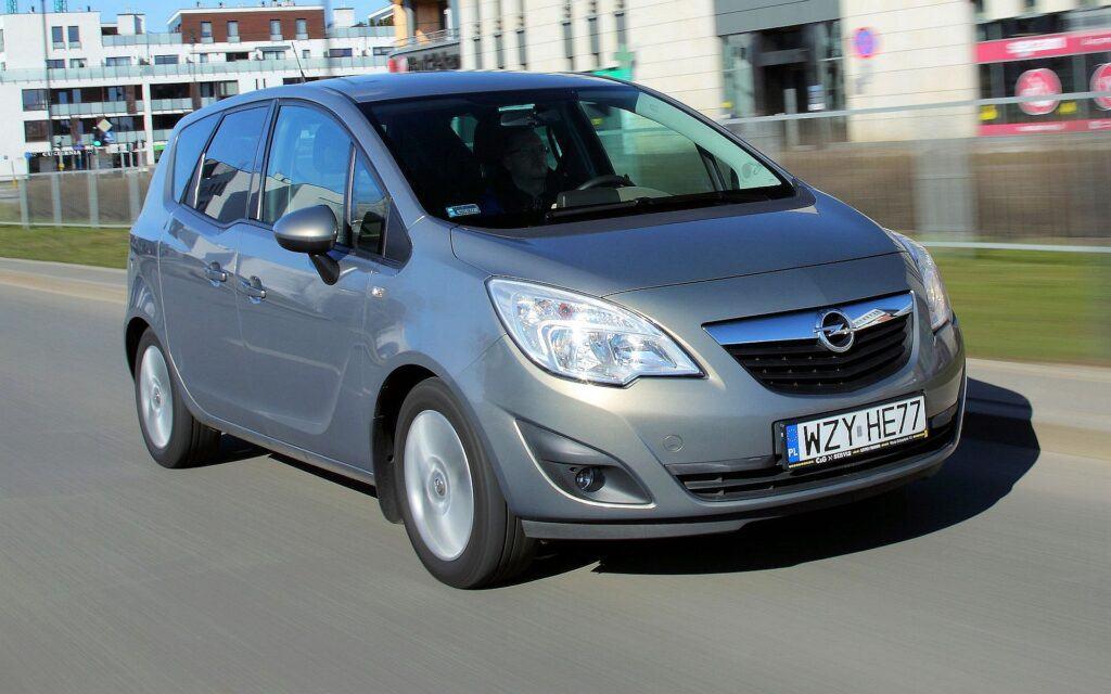 Opel Meriva B 24