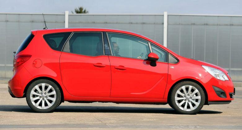 Opel Meriva B - bok