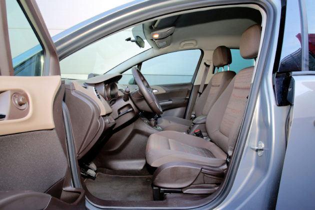 Opel Meriva B - fotel kierowcy