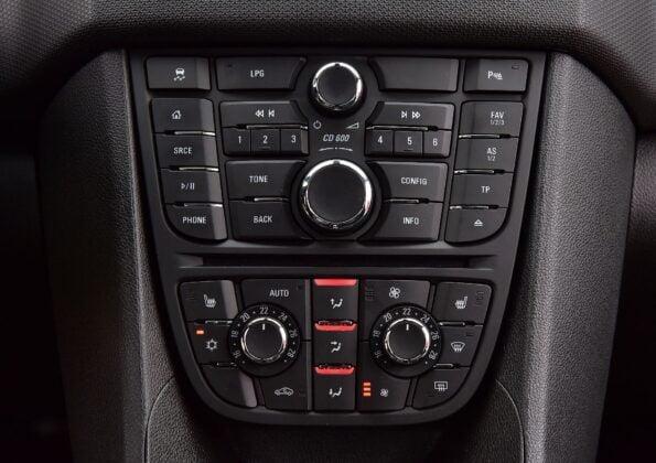 Opel Meriva B konsola
