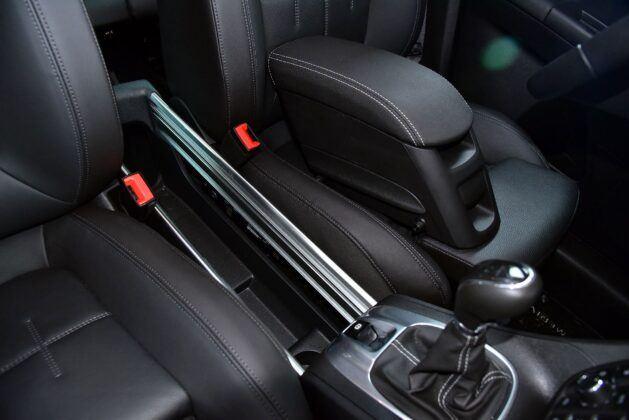 Opel Meriva B podłokietnik (3)