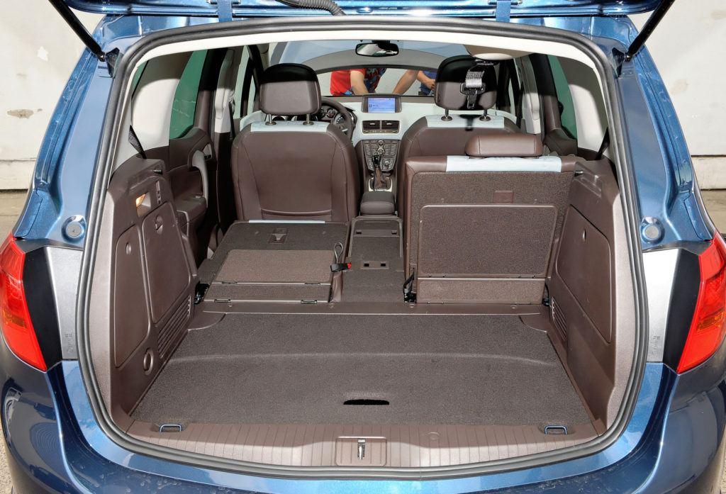 Opel Meriva B - powiększony bagażnik