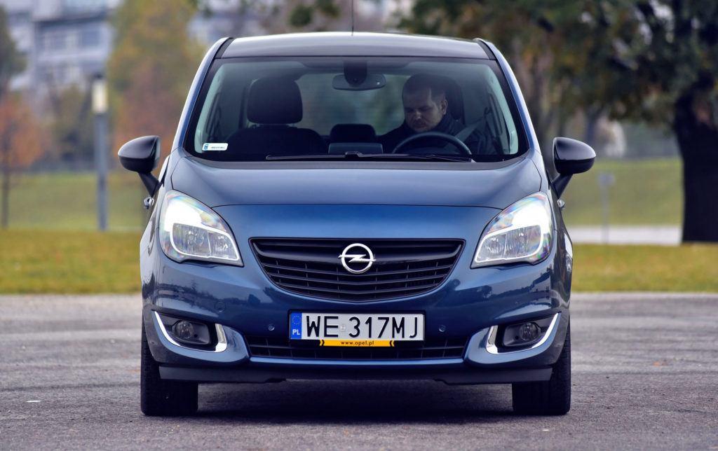 Opel Meriva B - przód FL