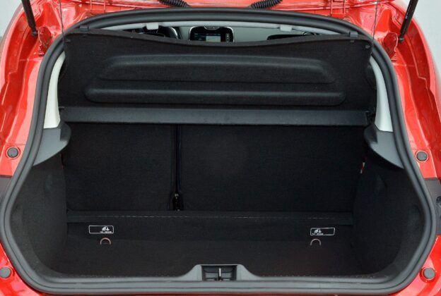Renault Clio IV bagażnik (8)