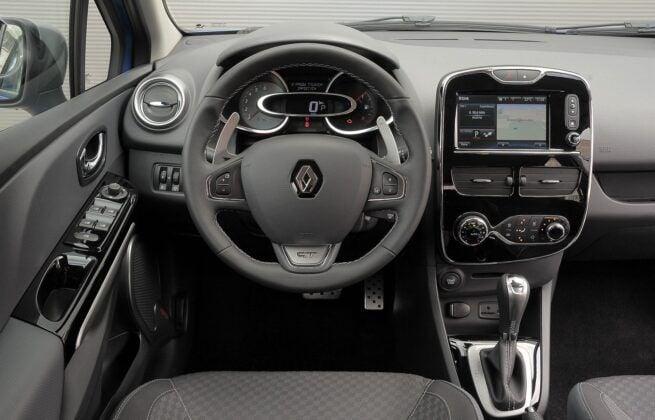Renault Clio IV deska rozdzielcza (3)