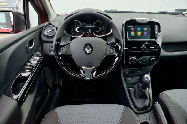 Renault Clio IV - deska rozdzielcza