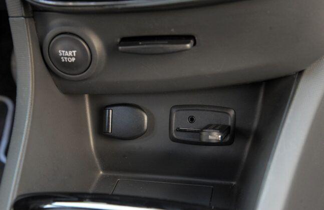 Renault Clio IV gniazda
