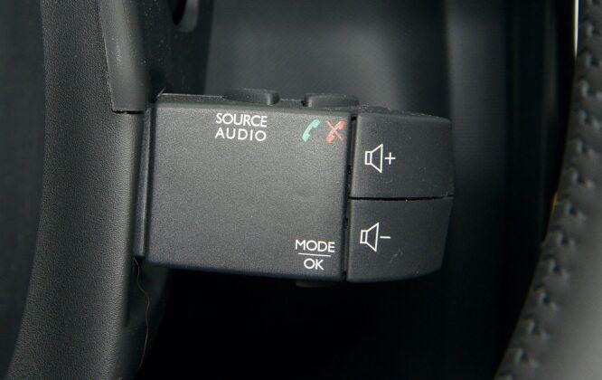 Renault Clio IV przełącznik