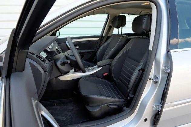 Renault Laguna III - fotel kierowcy