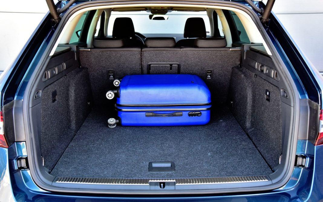Skoda Superb Combi - bagażnik