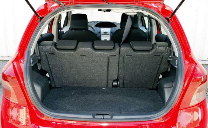 Toyota Yaris II - bagażnik