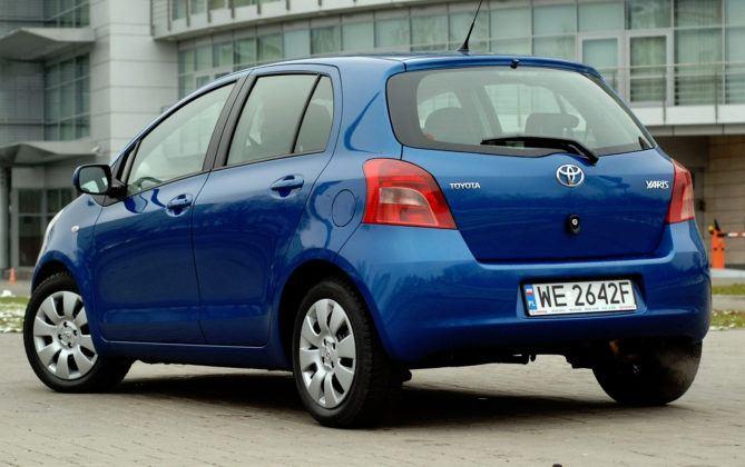 Toyota Yaris II - tył