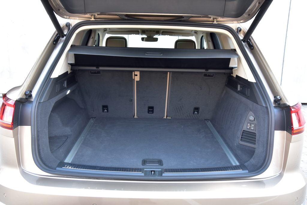 Volkswagen-Touareg-bagażnik